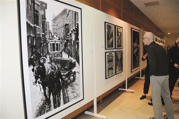 Pozvánka na výstavu v Berlíně: Ara Güler