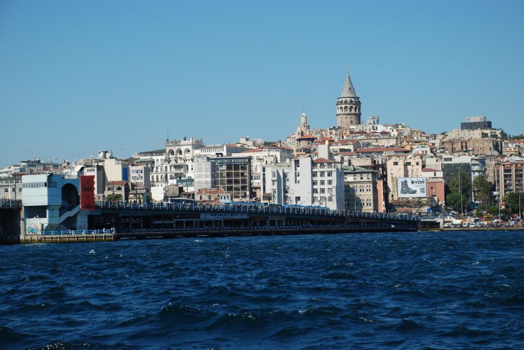 Galatský most a Galatská věž na pozadí