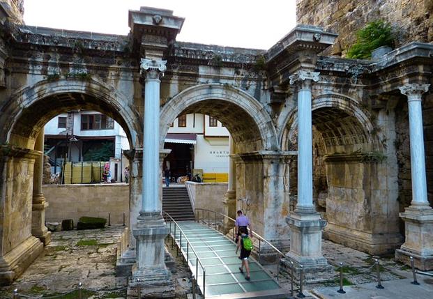 Hadrianova brána v Antalya, Turecko