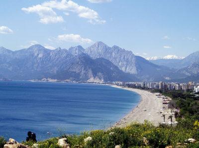 Antalya – za zdmi hotelových komplexů
