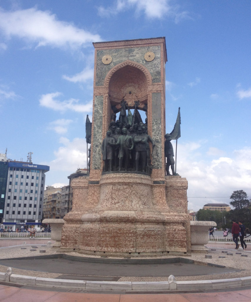 Monument republiky Istanbul Taksim