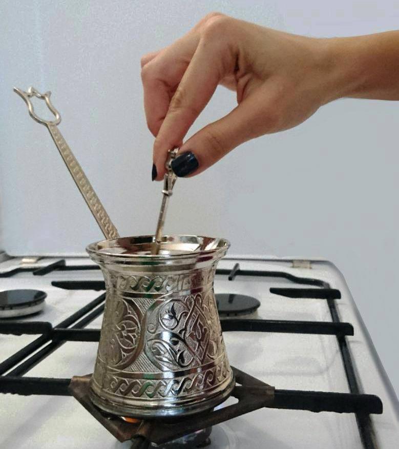 džezva turecká káva