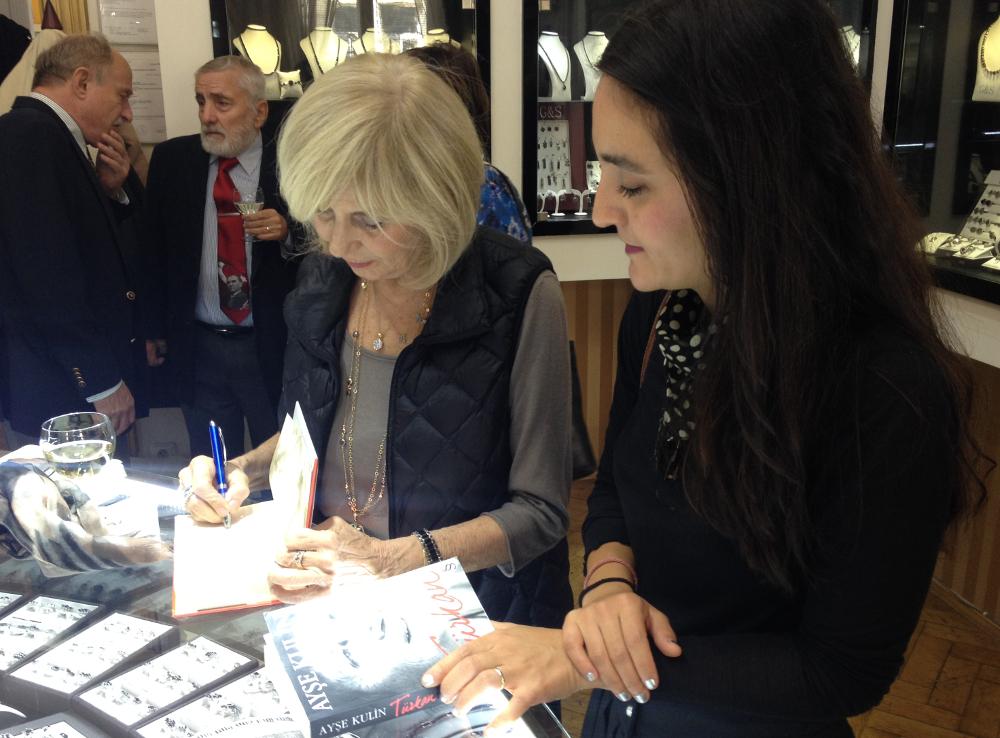 Ayşe Kulin podpis autogramiáda