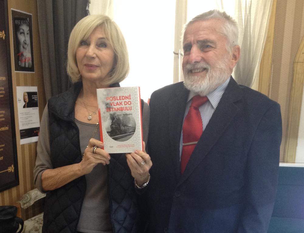 Ayşe Kulin a Tomáš Laně