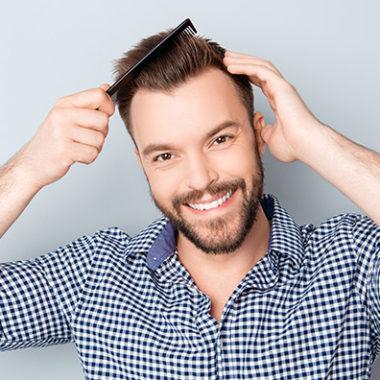 Transplantace vlasů je řešení na vypadávání vlasů a začínající pleš
