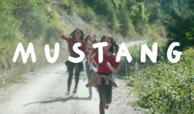 Promítání tureckého filmu Mustang v pražské kavárně ÚNIK