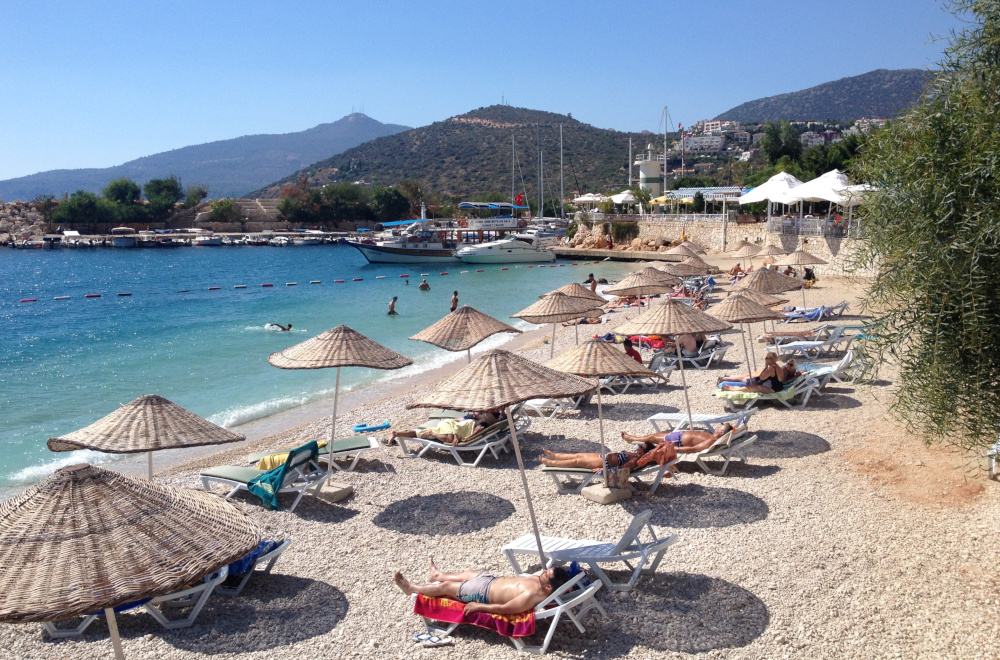 Zrušit nebo nerušit zaplacený zájezd a dovolenou v zahraničí?