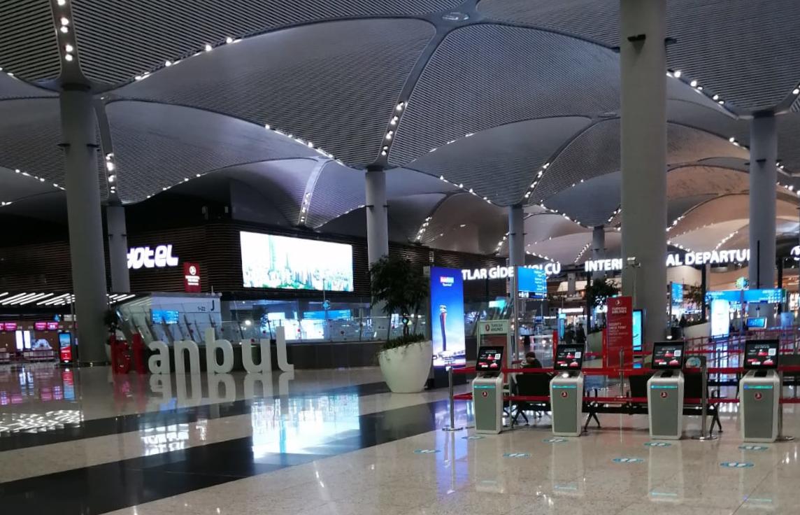 Istanbul letiště COVID-19 Turecko