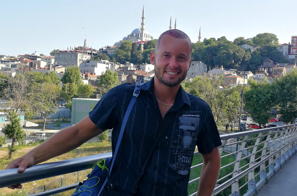 Osobní zkušenosti s transplantací vlasů v Turecku a vzkaz pro všechny, co nad ní přemýšlejí